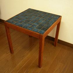 北欧の青いタイルトップテーブル amber designビンテージ家具雑貨通販