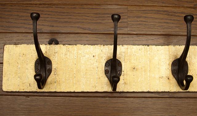 ヴィンテージ 壁掛けコートハンガー アイボリー