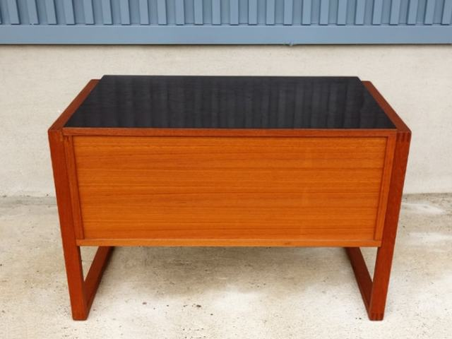 サイドテーブル 裏板