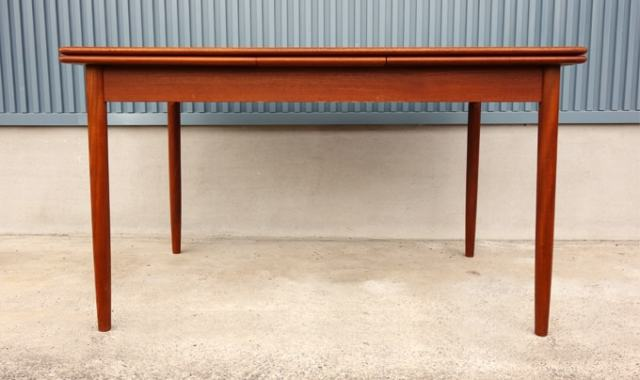 北欧ダイニングテーブル 天板拡張式