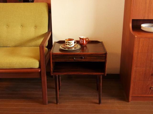 ローズウッドのナイトテーブル 北欧ヴィンテージ家具