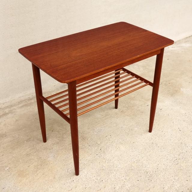 北欧ビンテージ・サイドテーブル