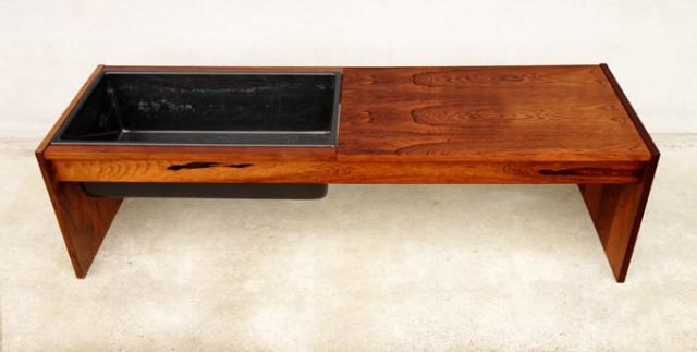 テーブル付きプラントホルダー