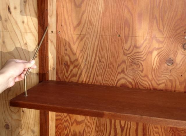 ユニットシェルフの棚板は高さ調整できます