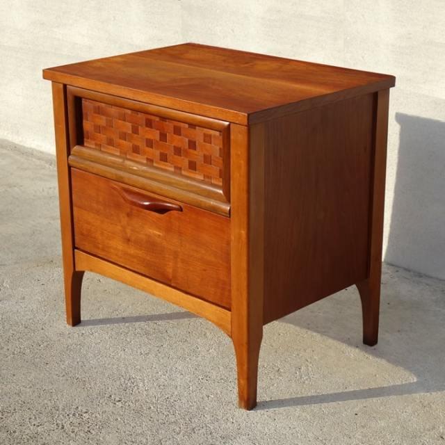 ビンテージ木製ナイトテーブル