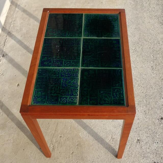 ヴィンテージのタイルテーブル
