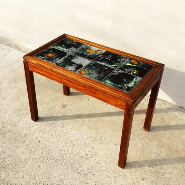 北欧ビンテージ タイルのサイドテーブル