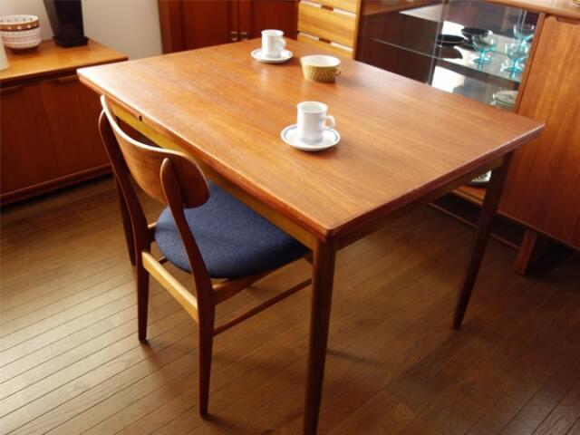 北欧のダイニングテーブル幅110cm