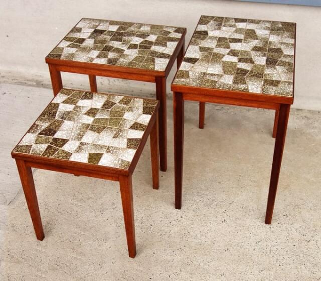 ヴィンテージのネストテーブル モザイクタイル