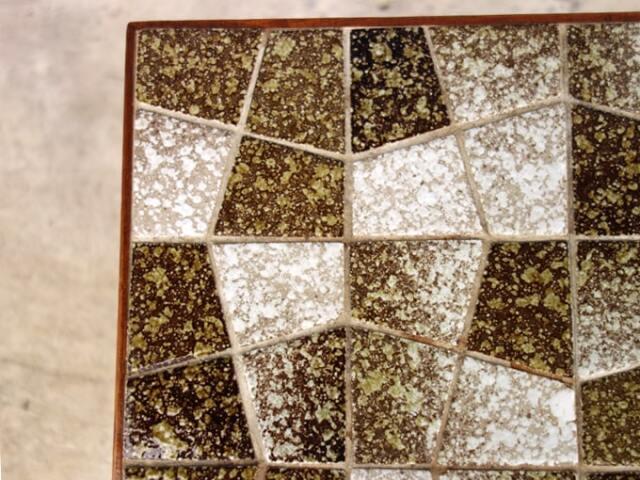モザイクタイルのネストテーブル