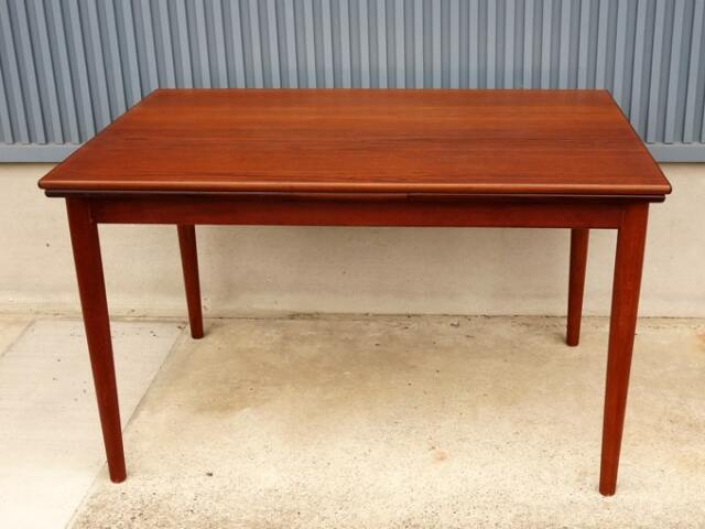 デンマークのダイニングテーブル ヴィンテージ家具