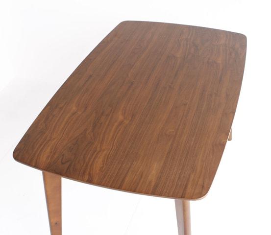 お洒落なダイニングテーブル