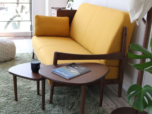 ソファの側にぴったりのサイドテーブル