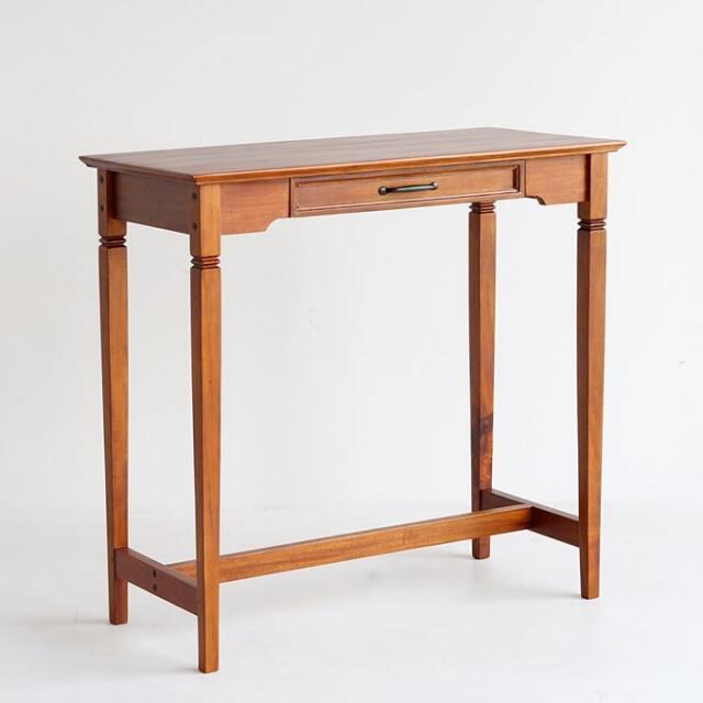 アンティークなコンソールテーブル