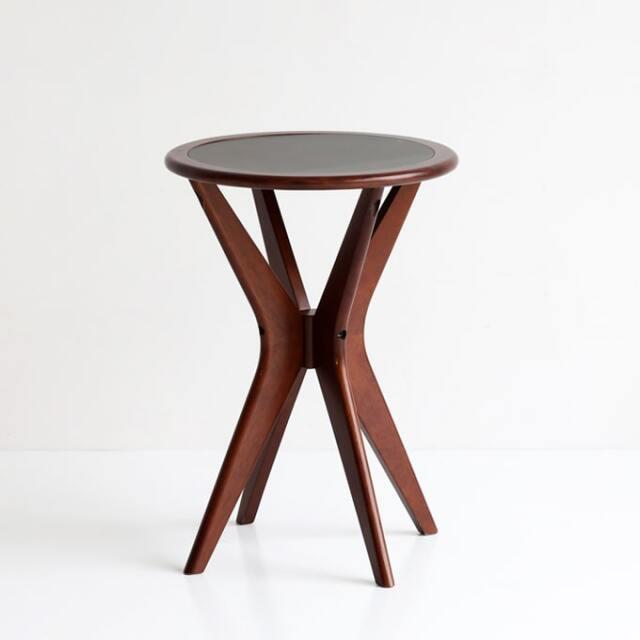 ミッドセンチュリーなサイドテーブル