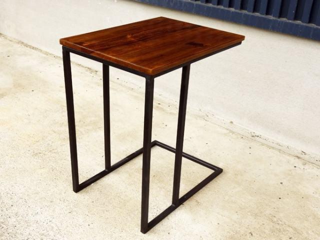 レトロなソファテーブル