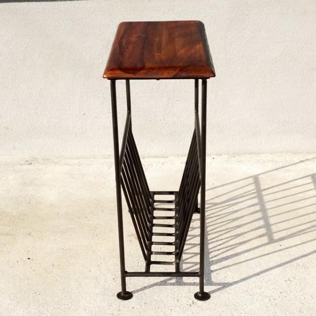 アイアンレッグ テーブル付きマガジンラック