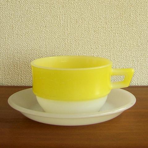 アルコパル製スープカップ&ソーサー