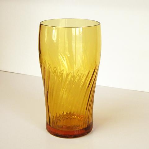 ヴィンテージ・アンバーグラスコップ