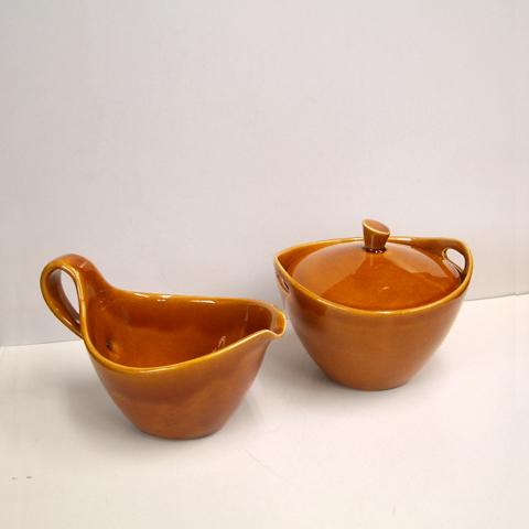ヴィンテージ陶器ミルクピッチャー&シュガーポット