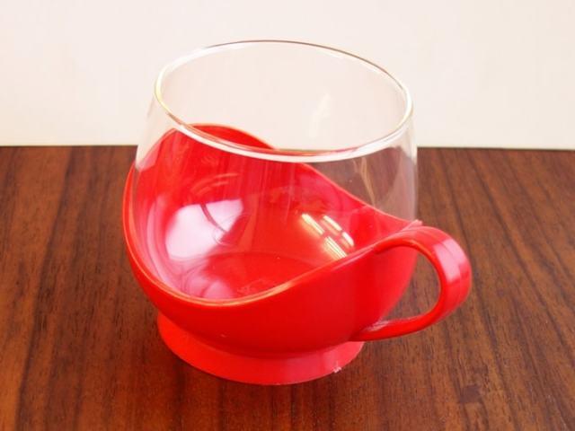 レトロなビンテージのガラスカップ&ホルダー 赤