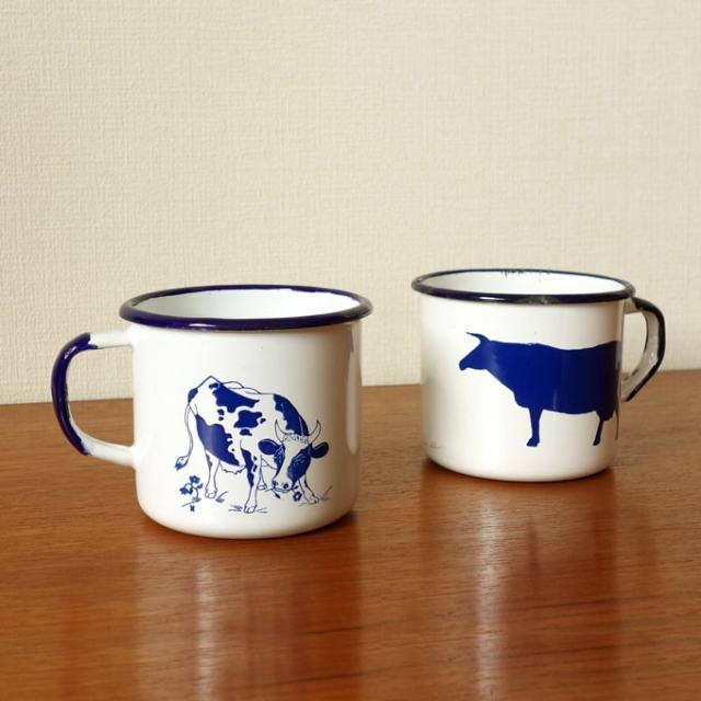 アンティークのホーローマグ牛柄
