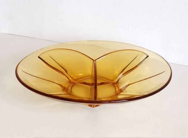 ヴィンテージのアンバーガラス・パーティ皿