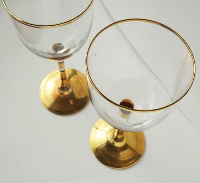 ゴールドのステムがお洒落なグラス