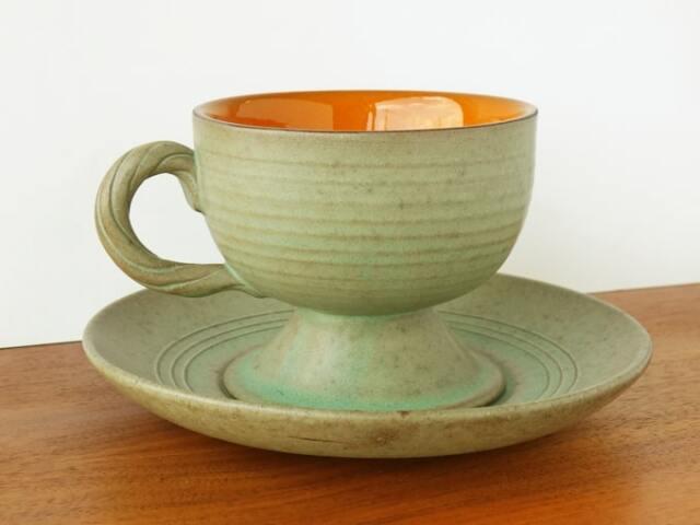 ヴィンテージのコーヒーカップ モスグリーン陶器