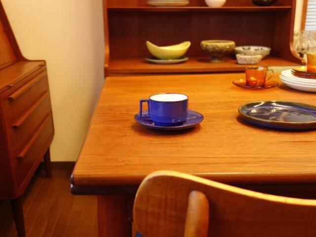 ヴィンテージ食器 青いカップ&ソーサー