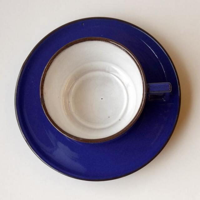 ブルーのコーヒーカップ