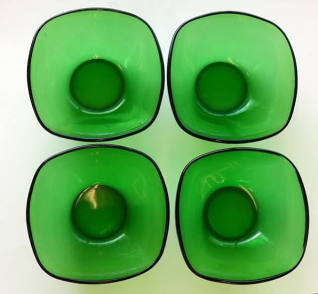 グリーンガラスのボウル4個セット