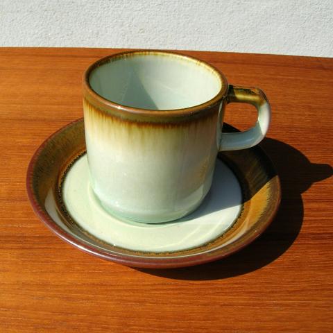 デシレ食器カップ&ソーサー