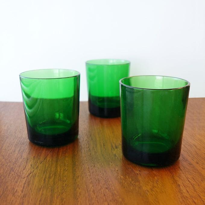 ビンテージのタンブラー グリーンガラス