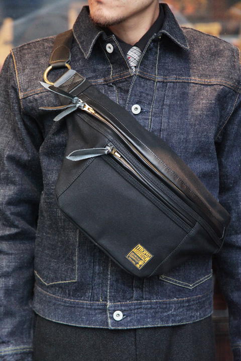 TROPHY CLOTHING/トロフィークロージング  「Day Trip Bag」  ショルダーバッグ