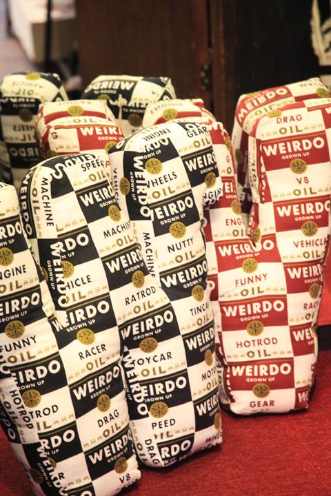 WEIRDO/ウィアード   「WRD CANS - CUSHION」   オリジナルファブリッククッション