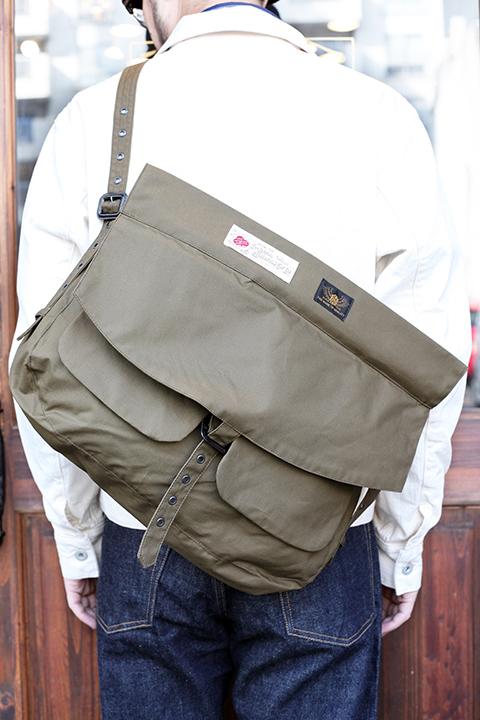 BLACK SIGN/ブラックサイン 「 British Oiled Cotton Hunting Bag 」 オイルドハンティングバッグ