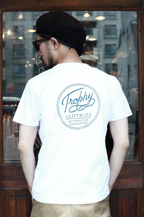 TROPHY CLOTHING/トロフィークロージング  「Circle Logo Emd Pocket Tee」  プリントポケットTシャツ