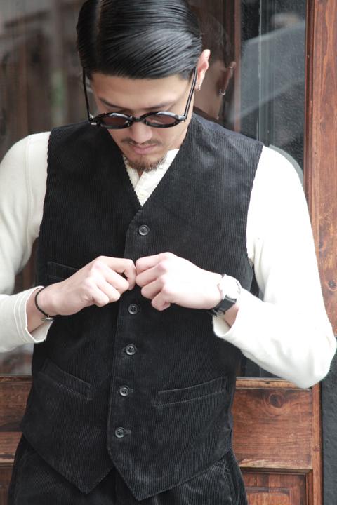 BLACK SIGN/ブラックサイン   「8w Corduroy Butler Vest」   コーデュロイバトラーベスト