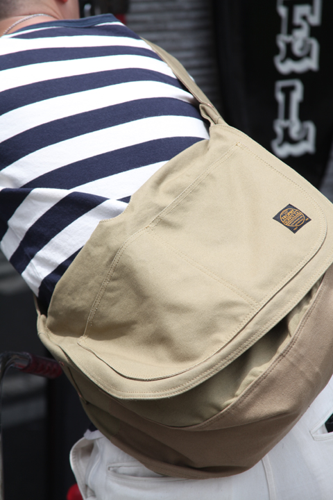 TROPHY CLOTHING/トロフィークロージング  「OILED DUCK NEWS PAPER BAG」  オイルドダックニュースペーパーバッグ