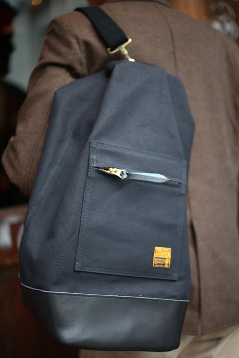 TROPHY CLOTHING/トロフィークロージング  「Round Trip Bag」  ショルダーバッグ