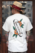 "RUM ART WORKS × AMERICAN WANNABE 「Traditional ""SKATE""S/S TEE 」  プリントS/Sティーシャツ"