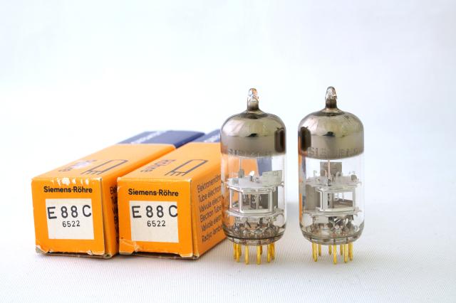 E88C Simens 2本1組