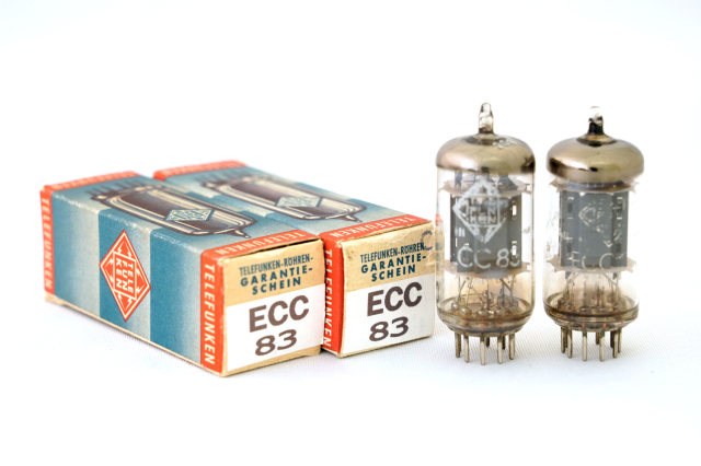 ECC83 TELEFUNKEN 2本1組