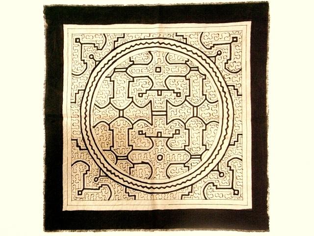 シピボ族の泥染め布