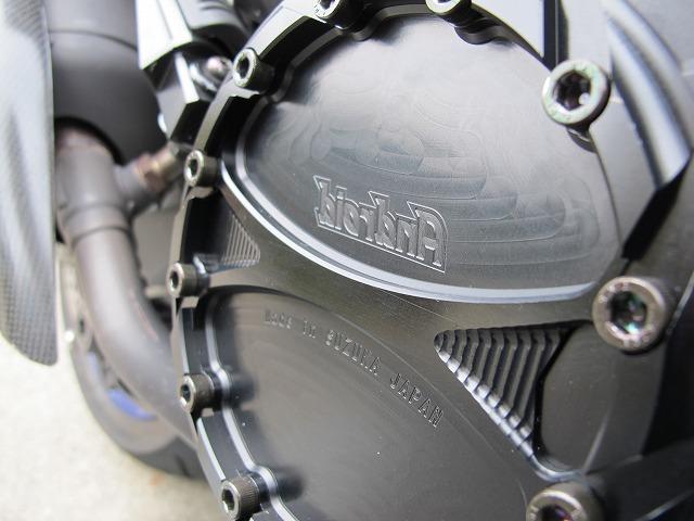【削り出しの極み】【重厚デザイン】エンジンサイドカバー