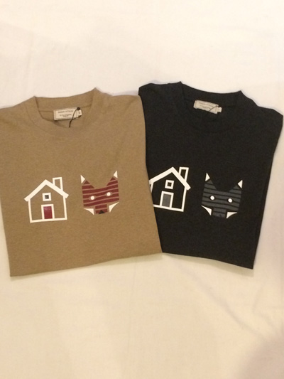 MAISON KITSUNE (メゾンキツネ) REBUS PRINT Tee プリントTシャツ