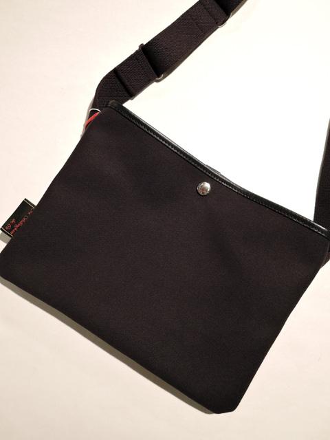 Billingham ビリンガム SACOCHE FLAT SHOULDER BAG サコッシュ ショルダーバッグ BLACK/BLACK