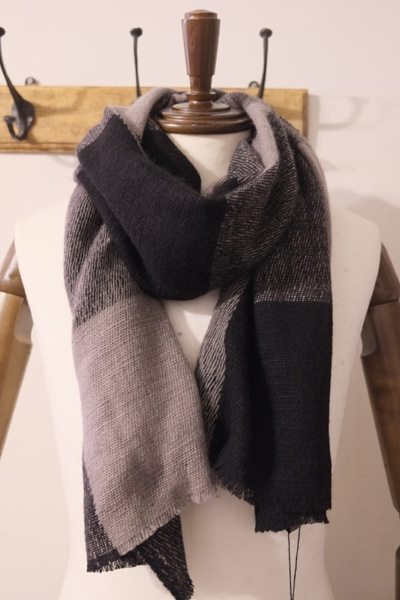 denis colomb デニスコロン ANNAPUMA CHECKS STOLE *TAUPE + BLACK CASHMERE100% ストール  【different通販】