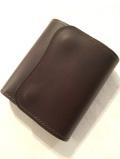 LAST CROPS (ラストクロップス) CASCADE 三つ折り財布 MAREMMA(マレンマレザー) CHOCO/チョコ・ダークブラウン